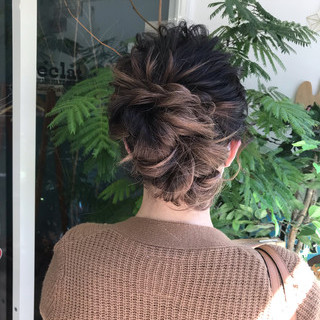 簡単ヘアアレンジ セミロング 結婚式 デート ヘアスタイルや髪型の写真・画像 ヘアスタイルや髪型の写真・画像