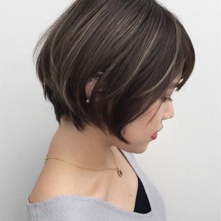 ハイライト ストリート グレージュ ショート ヘアスタイルや髪型の写真・画像