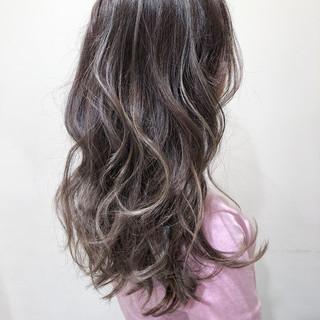 セミロング 3Dカラー グレージュ ハイライト ヘアスタイルや髪型の写真・画像 ヘアスタイルや髪型の写真・画像