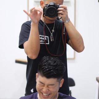 メンズ 刈り上げ パーマ ボーイッシュ ヘアスタイルや髪型の写真・画像