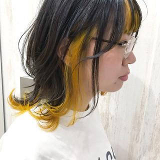 ミディアム ガーリー インナーカラー ウルフカット ヘアスタイルや髪型の写真・画像