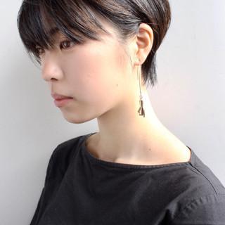 コンサバ ショートボブ 大人ショート アッシュグレージュ ヘアスタイルや髪型の写真・画像