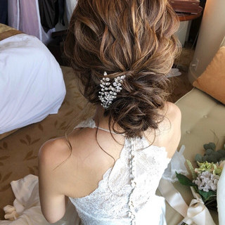 ゆるナチュラル 結婚式ヘアアレンジ ヘアアレンジ アンニュイほつれヘア ヘアスタイルや髪型の写真・画像