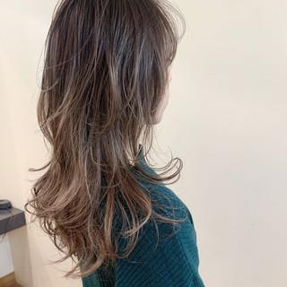 大人かわいい セミロング ニュアンスウルフ ナチュラル ヘアスタイルや髪型の写真・画像