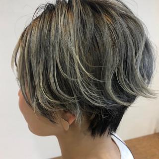 ショートヘア インナーカラー ベリーショート ガーリー ヘアスタイルや髪型の写真・画像