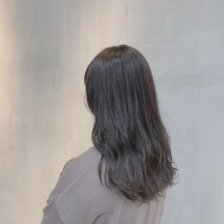グレージュ 透明感カラー セミロング ハイトーン ヘアスタイルや髪型の写真・画像