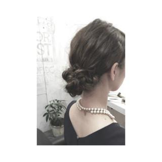 大人かわいい セミロング シニヨン 簡単ヘアアレンジ ヘアスタイルや髪型の写真・画像 ヘアスタイルや髪型の写真・画像