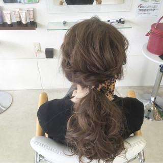 ロング ヘアアレンジ ローポニーテール こなれ感 ヘアスタイルや髪型の写真・画像