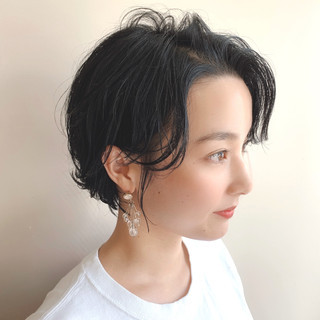 ブルージュ ショートヘア ナチュラル 暗髪 ヘアスタイルや髪型の写真・画像