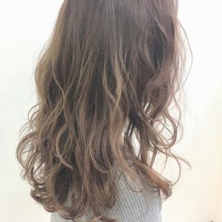 ハイライト 冬 秋 ロング ヘアスタイルや髪型の写真・画像
