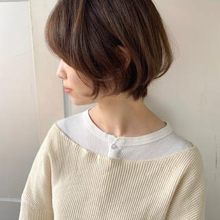 春ヘア ベージュ ショートヘア 大人かわいい ヘアスタイルや髪型の写真・画像