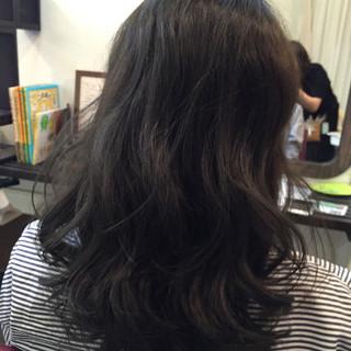 ダークアッシュ ストリート アッシュグレージュ 暗髪 ヘアスタイルや髪型の写真・画像