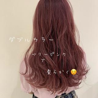 ガーリー ロング ラズベリーピンク ダブルカラー ヘアスタイルや髪型の写真・画像