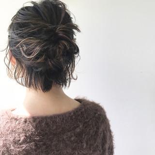 ナチュラル 簡単ヘアアレンジ ヘアアレンジ ミディアム ヘアスタイルや髪型の写真・画像 ヘアスタイルや髪型の写真・画像