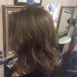 ナチュラル ミディアム 外国人風カラー イルミナカラー ヘアスタイルや髪型の写真・画像 ヘアスタイルや髪型の写真・画像