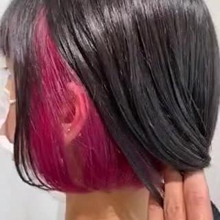 切りっぱなしボブ ナチュラル インナーカラー ショートヘア ヘアスタイルや髪型の写真・画像