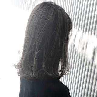 前髪 ストレート ナチュラル アッシュグレージュ ヘアスタイルや髪型の写真・画像