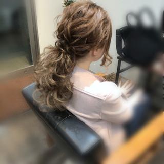 ポニーテールアレンジ ロング ヘアセット ねじり ヘアスタイルや髪型の写真・画像