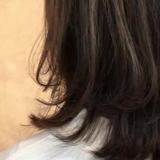 透明感カラー ミディアム オリーブベージュ 透け感ヘア ヘアスタイルや髪型の写真・画像