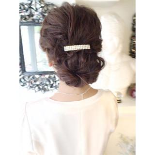 シニヨン 結婚式 バレッタ ヘアアレンジ ヘアスタイルや髪型の写真・画像