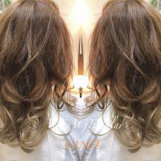 ハイライト アッシュ 外国人風カラー ロング ヘアスタイルや髪型の写真・画像