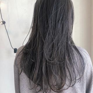グレージュ セミロング 大人かわいい マットグレージュ ヘアスタイルや髪型の写真・画像