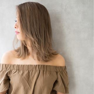 前髪あり ミディアム 外国人風 外ハネ ヘアスタイルや髪型の写真・画像