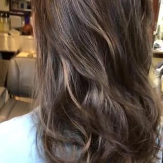 ゆるふわ ハイライト 外国人風カラー バレイヤージュ ヘアスタイルや髪型の写真・画像