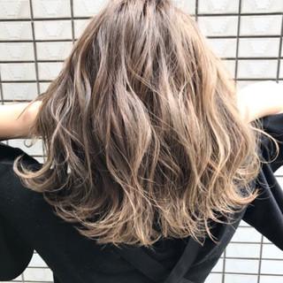 透明感 外国人風 ボブ ハイライト ヘアスタイルや髪型の写真・画像 ヘアスタイルや髪型の写真・画像