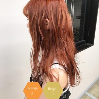 フェミニン サロンモデル オレンジカラー オレンジベージュ ヘアスタイルや髪型の写真・画像