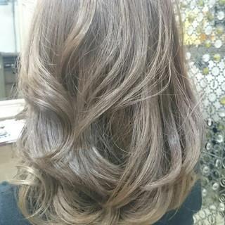 外国人風 グラデーションカラー ガーリー セミロング ヘアスタイルや髪型の写真・画像