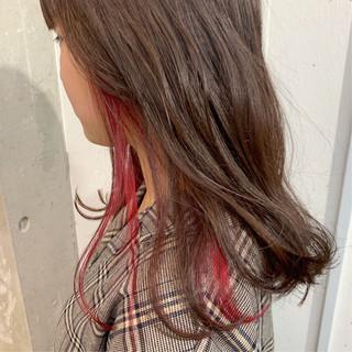 ガーリー インナーカラー セミロング ハイトーン ヘアスタイルや髪型の写真・画像 ヘアスタイルや髪型の写真・画像