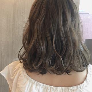 女子会 オフィス 透明感 リラックス ヘアスタイルや髪型の写真・画像