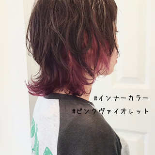 ミディアム ショートヘア ウルフカット ストリート ヘアスタイルや髪型の写真・画像