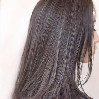 セミロング ハイライト ストリート イルミナカラー ヘアスタイルや髪型の写真・画像