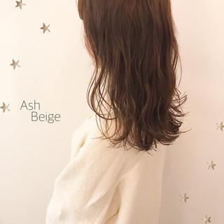 アンニュイほつれヘア セミロング こなれ感 ナチュラル ヘアスタイルや髪型の写真・画像