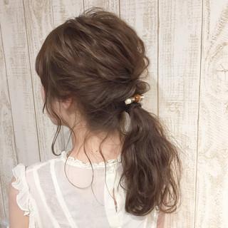 セミロング ウェーブ ナチュラル ヘアアレンジ ヘアスタイルや髪型の写真・画像