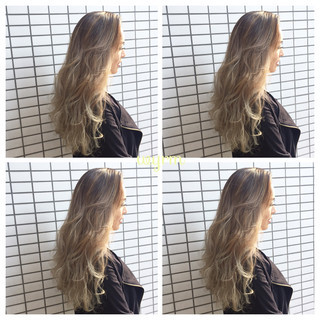 ロング ウェーブ グラデーションカラー 外国人風 ヘアスタイルや髪型の写真・画像