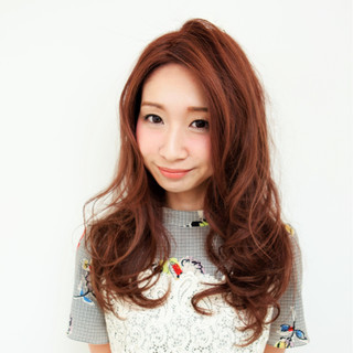 外国人風 フェミニン アッシュ ロング ヘアスタイルや髪型の写真・画像