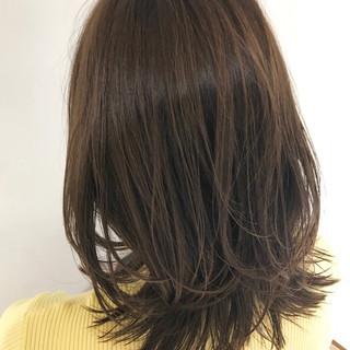 ミディアム オフィス パーティ フェミニン ヘアスタイルや髪型の写真・画像