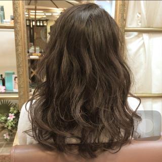 外国人風 外国人風カラー グレージュ ミディアム ヘアスタイルや髪型の写真・画像