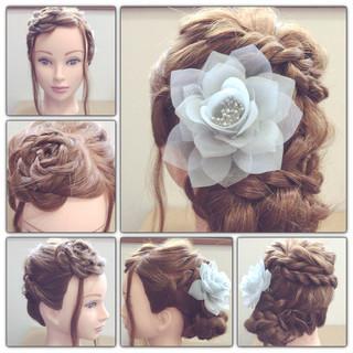ロング 波ウェーブ 大人かわいい ねじり ヘアスタイルや髪型の写真・画像 ヘアスタイルや髪型の写真・画像