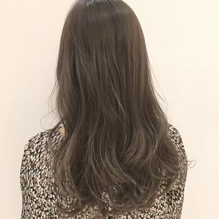 グレージュ 外国人風 ロング ハイライト ヘアスタイルや髪型の写真・画像