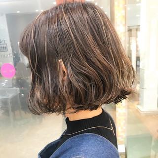 ハイライト オフィス ショートボブ ショートヘア ヘアスタイルや髪型の写真・画像