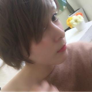 色気 外国人風 大人かわいい ハイトーン ヘアスタイルや髪型の写真・画像 ヘアスタイルや髪型の写真・画像