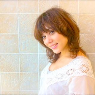 ミディアム 外国人風 ウルフカット ゆるふわ ヘアスタイルや髪型の写真・画像