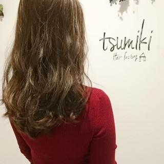 くせ毛風 グレージュ ナチュラル セミロング ヘアスタイルや髪型の写真・画像