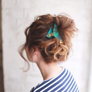 伸ばしかけでもOK!セミロングのヘアアレンジ アップスタイル