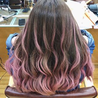 バレイヤージュ セミロング グラデーションカラー ハイライト ヘアスタイルや髪型の写真・画像