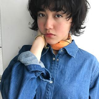 ナチュラル 黒髪 フリンジバング ノームコア ヘアスタイルや髪型の写真・画像